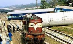 Indian train derail