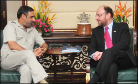 anand-sharma-with-alfredo-moreno.jpg