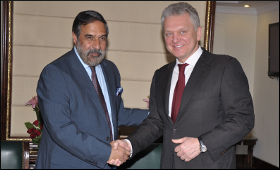 anand-sharma-with-viktor-khristenko.jpg