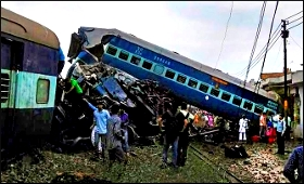 train-misshap-utkal-exp19817.jpg