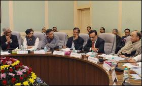 Arun Jaitley meeting economists