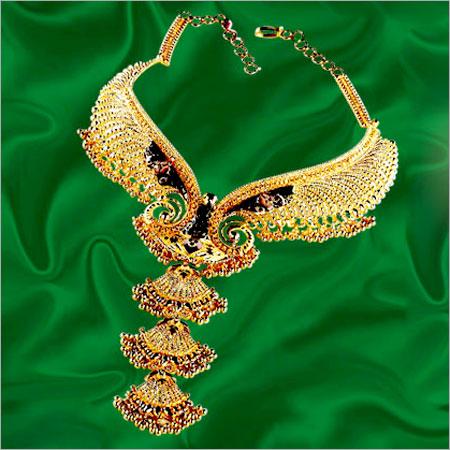 DESIGNER BRIDAL GOLD NECKLACE
