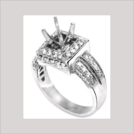ROUND SHAPE LADIES DIAMOND RING