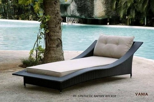wicker furniture on poolside design