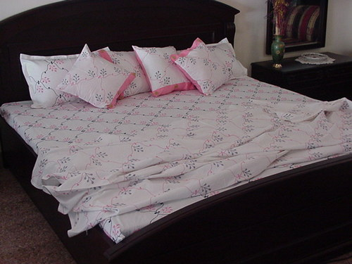 Embroidered Bed Sheets In Lucknow Uttar Pradesh India
