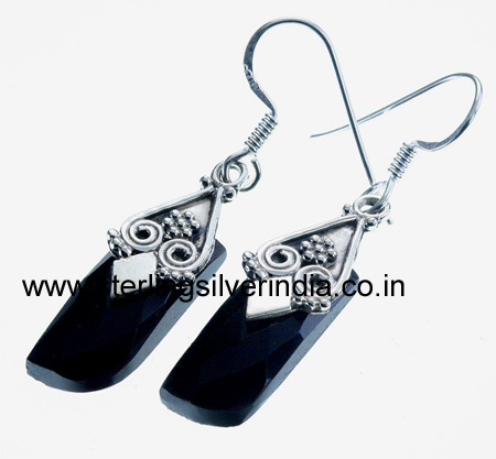9 Grams Black Onyx Earring