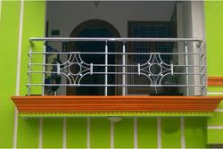 Designer stainless steel balcony grills in tiruchirappalli for Stainless steel balcony grill design