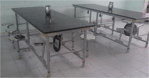 8 Seater Dining Table Folding Type In Kolhapur