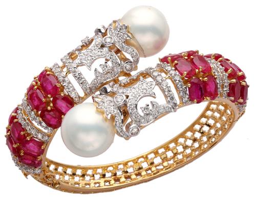 e6e8dc4a8 Designer Diamond Bracelet in Mumbai, Maharashtra, India .