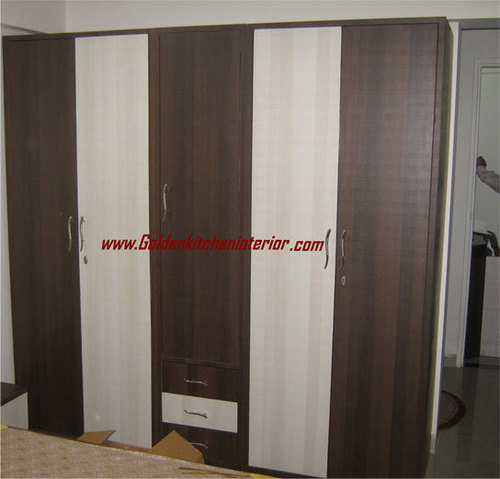 Wooden almirah in baner pune maharashtra india golden for Pics of wooden almirah