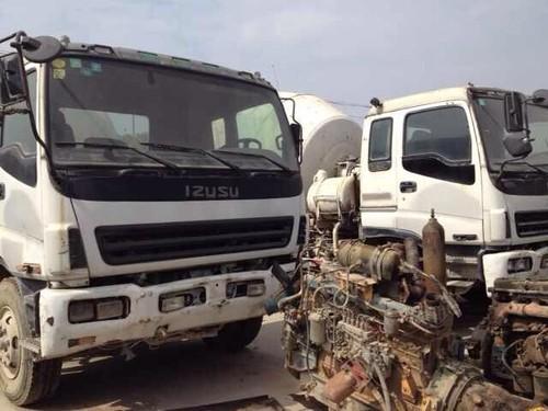 Used Isuzu Mixer Truck
