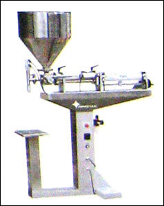 VERTICAL TYPE LIQUID FILLER