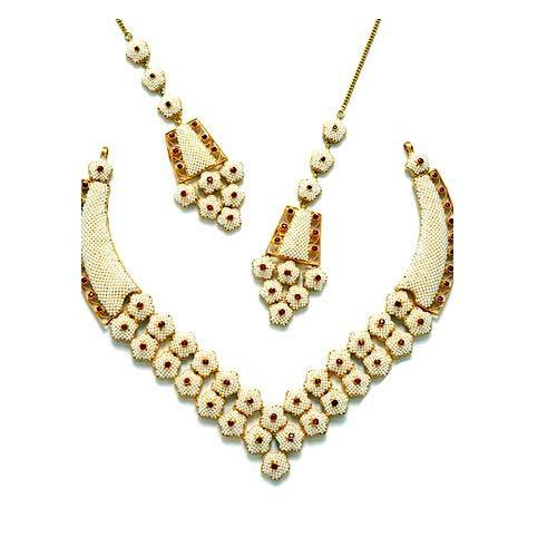 Moti Necklace Set