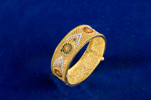 Antique Design Gold Bangles