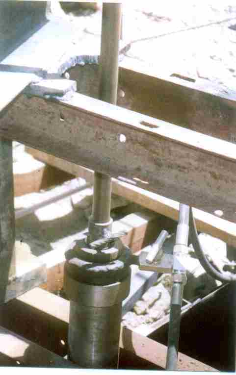 6 Tonnes Slipform Jack Placed With Head Beam