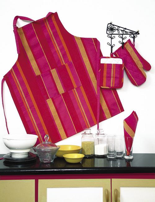 Metropolitan Stripe Red Kitchen Linen