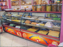Sweet Display Counter