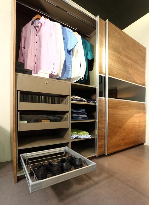 wardrobe internal details 1