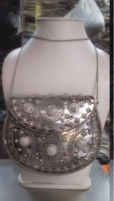 Description/ Specification of Designer Ladies Metal Purse