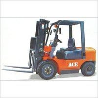 FORK LIFT TRUCK
