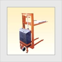 Ball Top Lever Controlled AC Hydraulic Stacker
