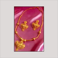 GOLD NECKLACE SET
