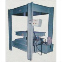 HEEL PANEL PRESSING SINGLE STATION MACHINE