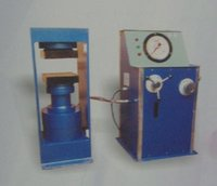 Compression Testing Machine With Single Pressure Gauge