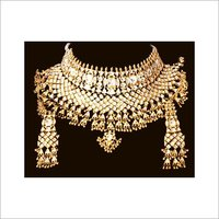 DESIGNER GOLD NECKLACE WITH KUNDAN