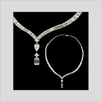 DESIGNER DIAMOND NECKLACE