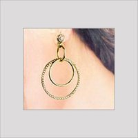 DESIGNER GOLD EARRING WITH STUDDED DIAMONDS