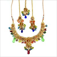 GOLD ANTIQUE NECKLACE SET