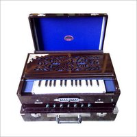 SCALE CHANGING HARMONIUM