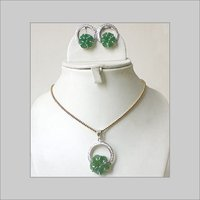 GREEN ONYX PENDANT SET