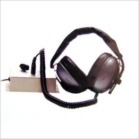 HEAD PHONE CONTROL BOX WITH MICROPHONE