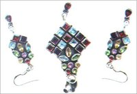 GEMSTONE STUDDED SILVER PENDANT SET
