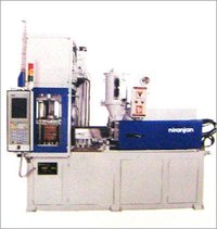 Horizontal Injection Vertical Locking Machine