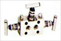 THREE WAY MANIFOLD VALVES