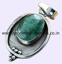 10 Grams Green Emerald Pendants