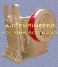 Scissor Type Shearing Machine