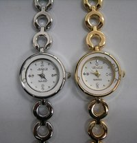 Fashional Ladies Watches In Metal Band