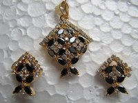 Cubic Zircon Black Pendant Set