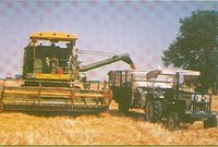 Heavy Duty Agro Combine Harvester