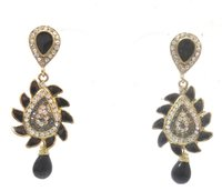 Attractive Design Earring