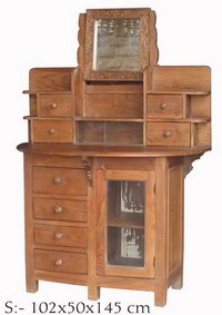 Fancy Wooden Dressing Table