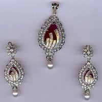 Pearl Diamond Pendant Set