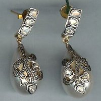Shell Perls Uncut Diamond Earring