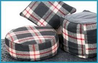 Woolen Cushions And Puff