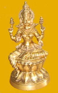 Laxmi Sitting On Lotus Statue