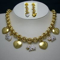 Necklace And Bracelet Set With Charms Of Hearts And Elephants